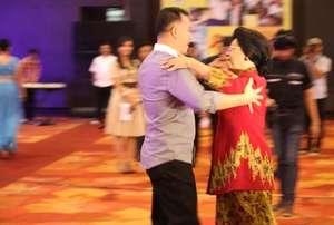 Menkes: Bidan PTT Akan Diprioritaskan Dalam Rekrutmen CPNS 2014