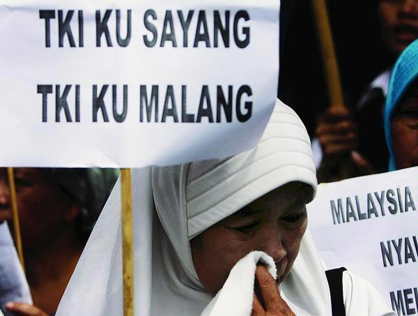 Masalah TKI Di Malaysia Akan Bertambah Parah, Anggaran Kemnakertrans Turun 20 Persen
